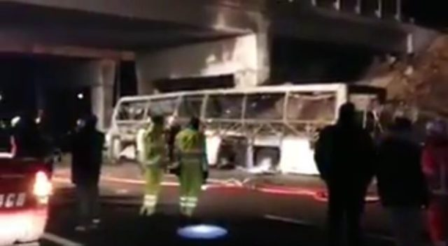 Incidente bus ungherese sulla A4, sedici morti: erano studenti in gita