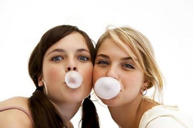 Chewing gum, nessun beneficio e pubblicità ingannevoli: 180 mila euro di multa