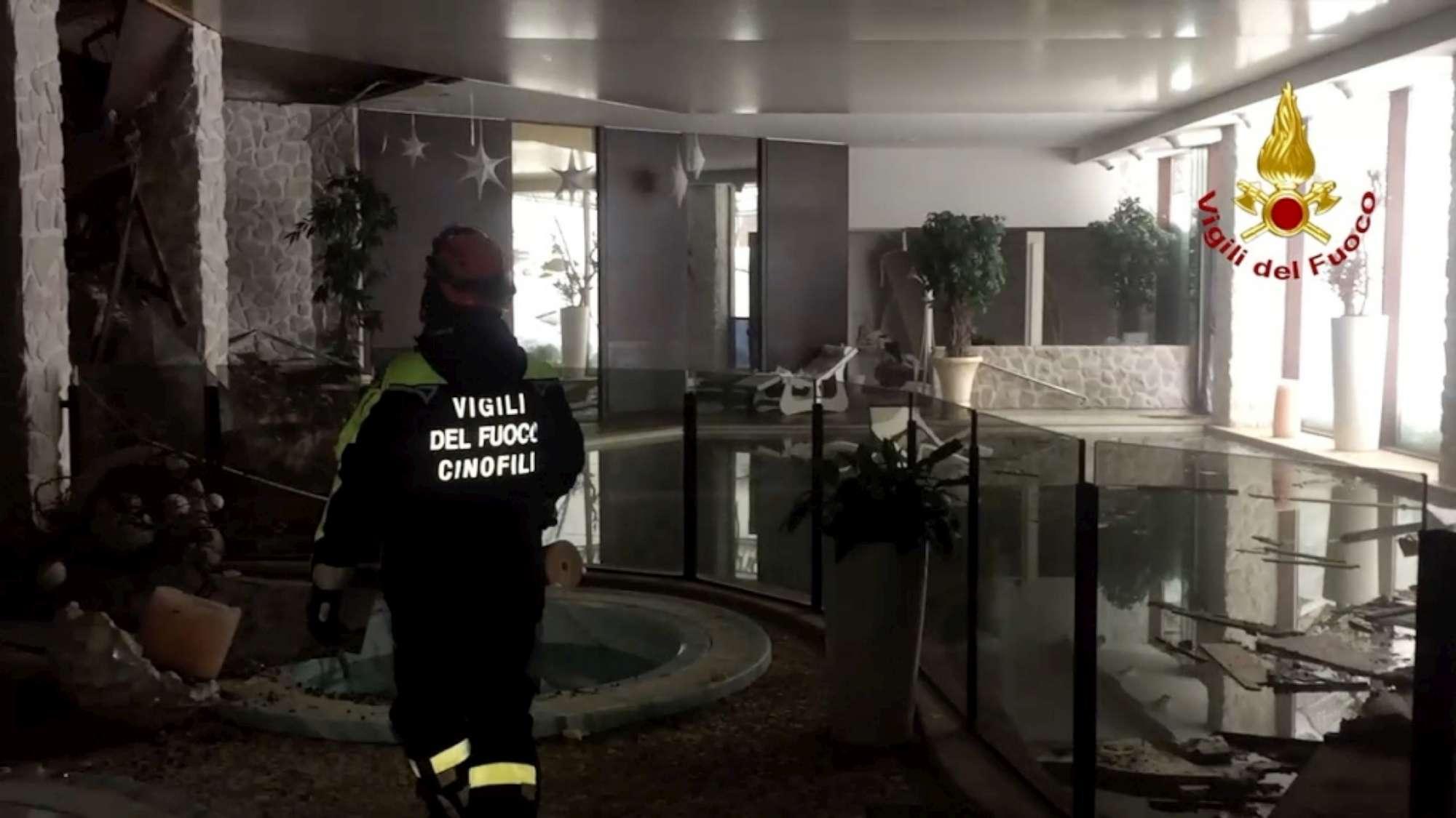 Valanga Hotel Rigopiano, 6 persone trovate vive