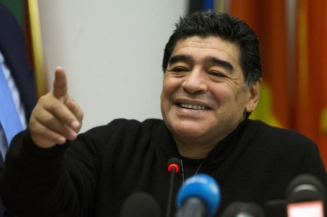 Maradona al San Carlo di Napoli per lo spettacolo di Alessandro Siani