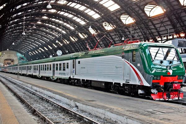 Milano, Guasto elettrico alla Stazione Centrale: Ritardi e Disagi