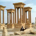 Palmira, l'Isis distrugge il Teatro Romano e il Tetrapilo