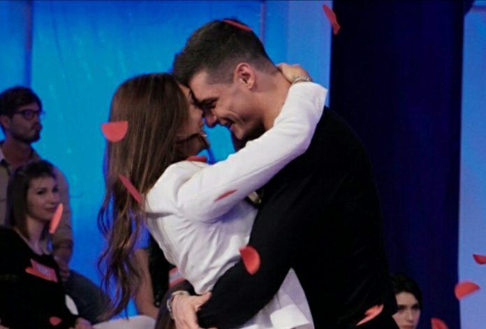 Uomini e Donne oggi 21 Febbraio 2017: Sonia sceglie Emanuele (Video) 2