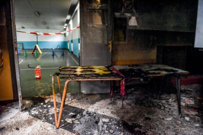 Incendio alla scuola elementare: