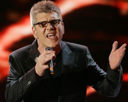 """Massimo Zarrillo a Sanremo 2017, Cover """"Se tu non torni"""" di Miguel Bose"""