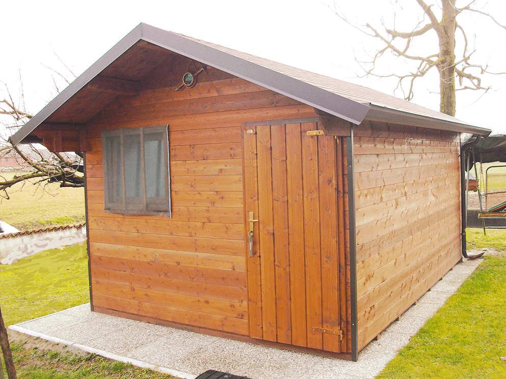 Le iene servizio su ricostruzione e casette di legno for Casette di legno