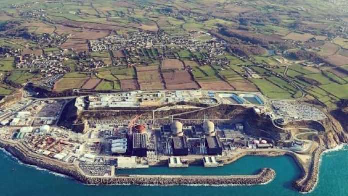 Francia, esplosione nella centrale nucleare di Flamanville. Nessun rischio