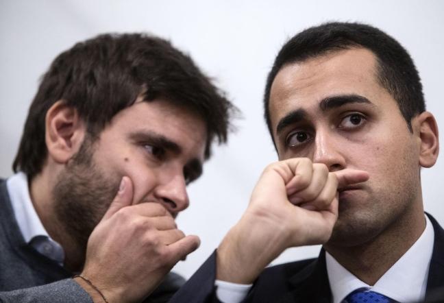 """M5S, Di Battista e Di Maio contro i giornali: """"Basta gossip sulla Raggi"""""""