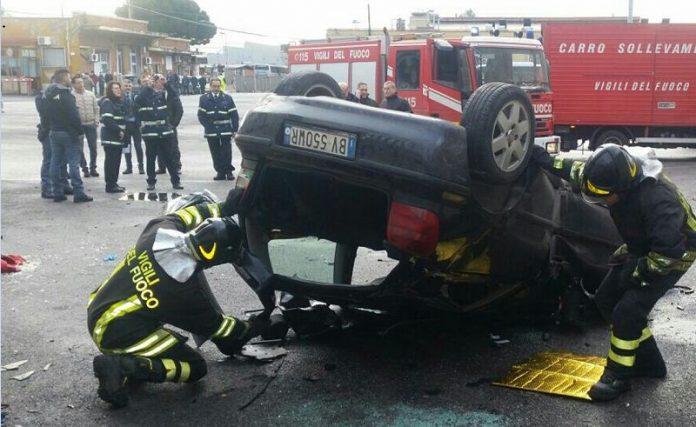 Roma, auto precipita dalla tangenziale e finisce in deposito Atac