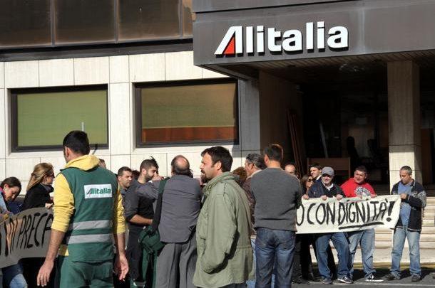 Sciopero Alitalia, oggi Voli Cancellati e Caos negli Aeroporti