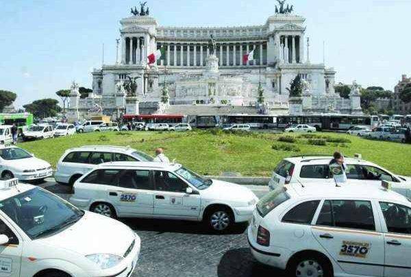 Roma, Taxi ancora in sciopero contro Uber