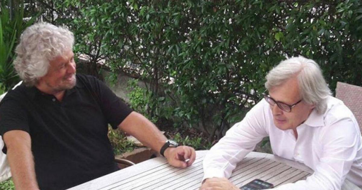 """Vittorio Sgarbi su Beppe Grillo: """"Mi disse che la Raggi è una depensante"""""""