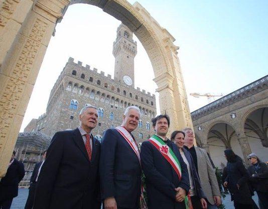 G7 Firenze: Ricostruzione dell'Arco di Palmira
