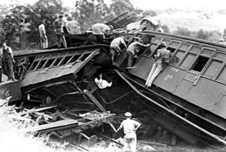 Accadde Oggi 3 marzo: Nel 1944 il disastro del treno 8017