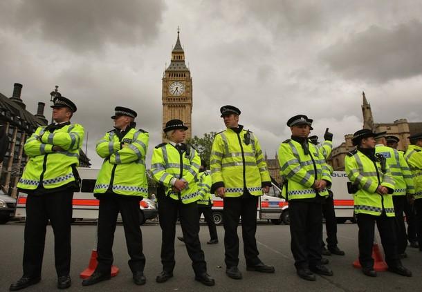 Londra spari davanti al Parlamento: 12 feriti