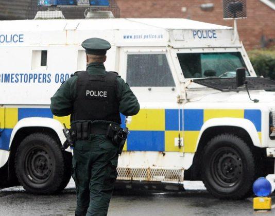 Irlanda del Nord, Attentato alla polizia di Strabane