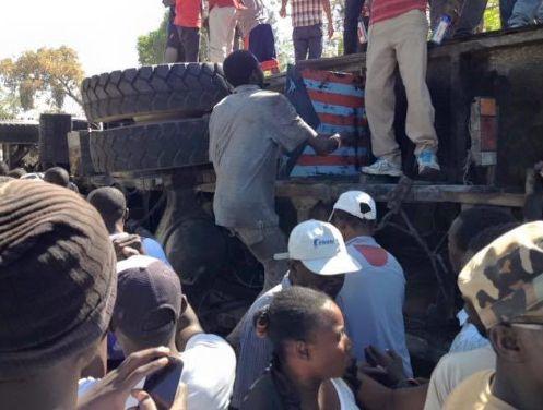 Haiti, Autobus travolge la folla a Gonaives: 34 Morti 1