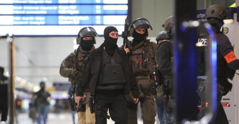 Attentato a Düsseldorf, attacco alla stazione con l'ascia
