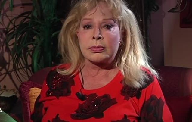 Isabella Biagini a Domenica Live: l'attrice dorme in macchina
