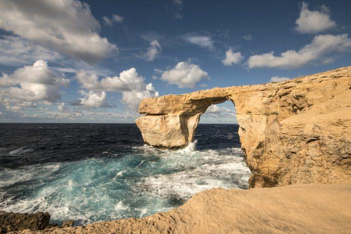 Malta finestra azzurra crollata con la tempesta - La finestra azzurra gozo ...