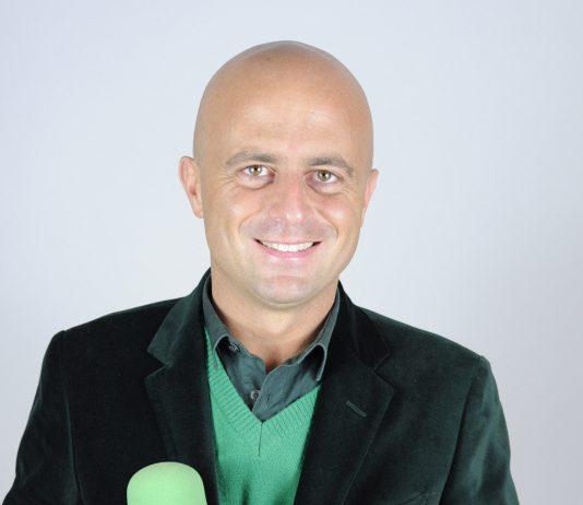 Luca Abete Aggredito a Caserta da un gruppo di ambulanti (Video)