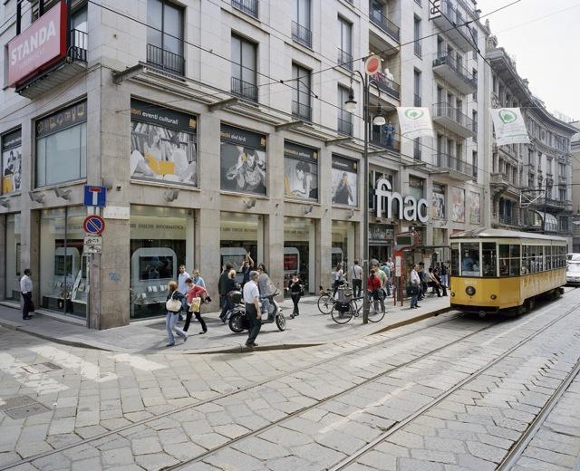 milano donna investita dal tram in via torino