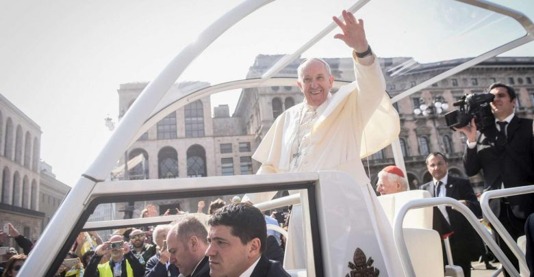 """Papa Francesco a Milano: """"La Chiesa va incontro a tutti"""""""
