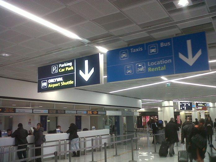 Sparatoria Aeroporto Orly di Parigi: ucciso l'uomo in fuga