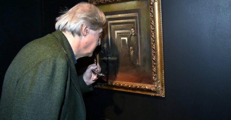 Museo della Follia a Salò, esposto quadro di Adolf Hitler