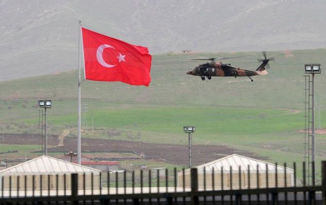 Siria, prime truppe di Damasco vicino al confine turco