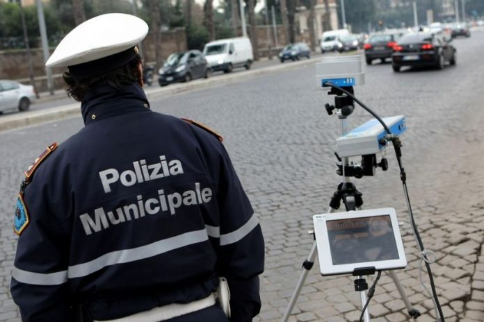 Multe Illegali in Italia: Servizio Le Iene (2 aprile 2017)