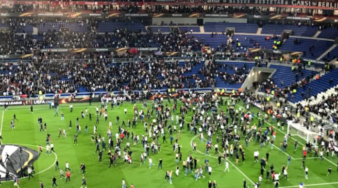 Risultati immagini per Europa League, Lione. Scontri tra le tifoserie all'interno dello stadio