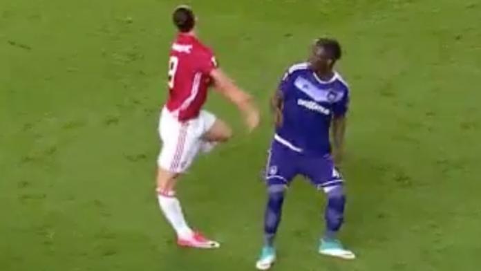 Ibrahimovic, stagione finita: lesione crociato ginocchio destro