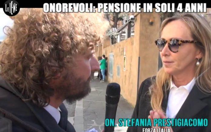 Pensioni e Vitalizi Politici: Servizio Le Iene Filippo Roma (2 aprile 2017)