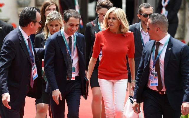 G7 Taormina: il soprabito di Melania rende omaggio ai fiori della Sicilia