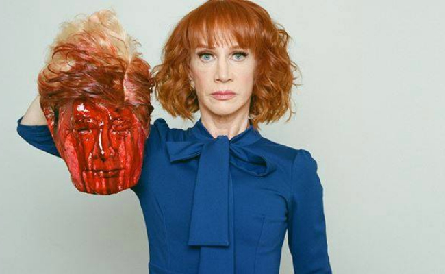 Kathy Griffin decapita Trump