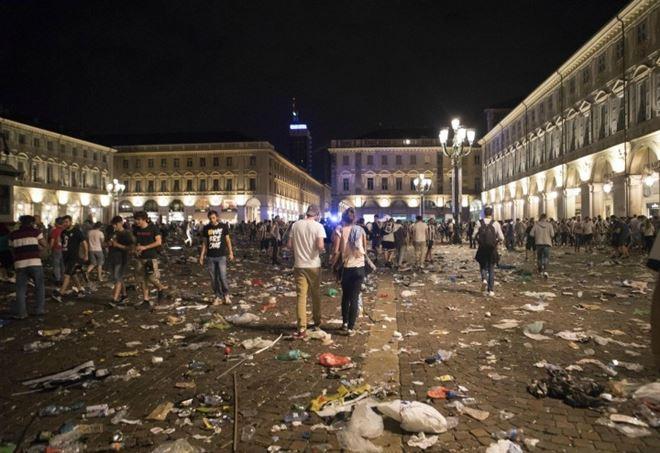 piazza-san-carlo-erika-nessuna-speranza