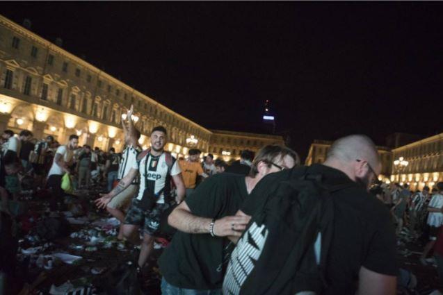 piazza_san_carlo_torino_tifosi_juve
