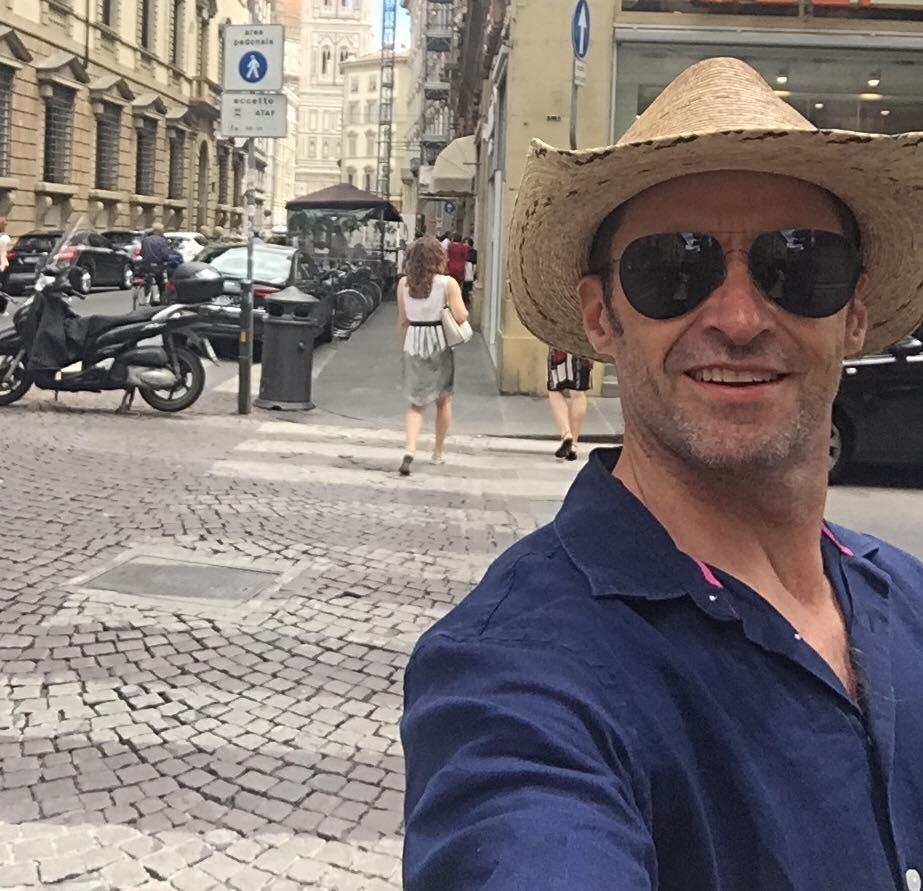 Hugh Jackman turista a Firenze. La foto di 'Wolverine' su Instagram