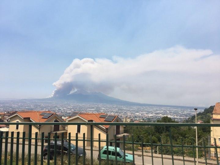 vesuvio-fiamme-alte-incendio