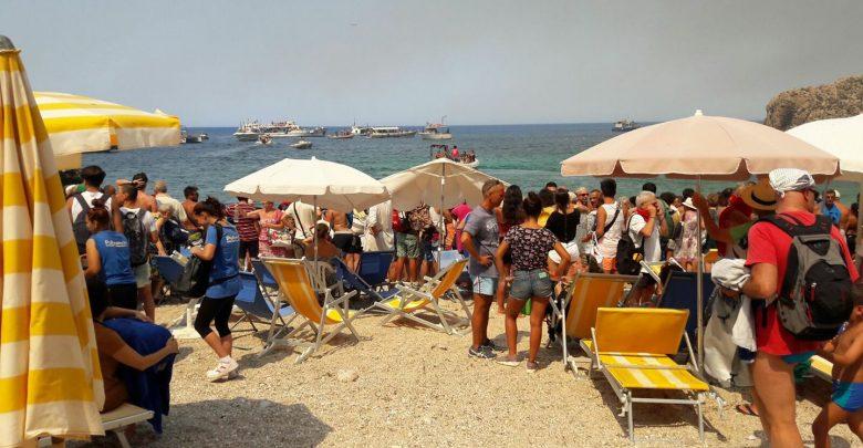 incendio calampiso evacuazione Sicilia Roghi Fiamme Trapani
