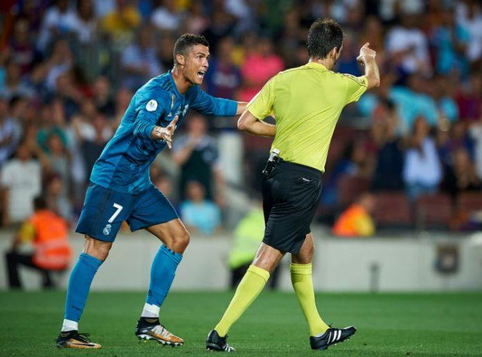 Cristiano Ronaldo, 5 turni di squalifica per la spinta all'arbitro!