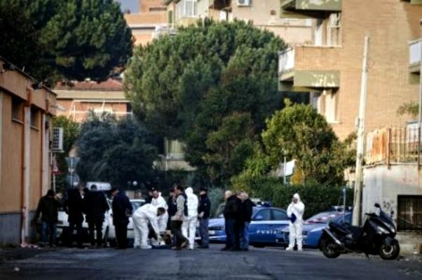 Omicidio Roma gambe donna