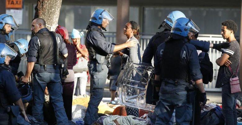 Scontri Migranti Polizia Roma