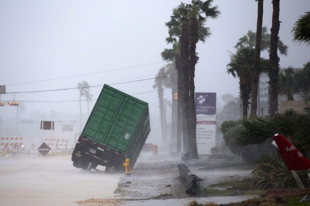 Uragano Harvey, intensificazione attività