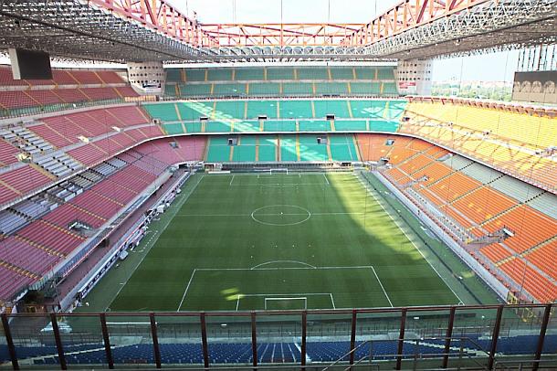 Milan-Spal Diretta Live: Risultato in Tempo Reale