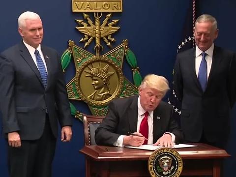 Usa, Trump ha chiesto di decuplicare l'arsenale nucleare