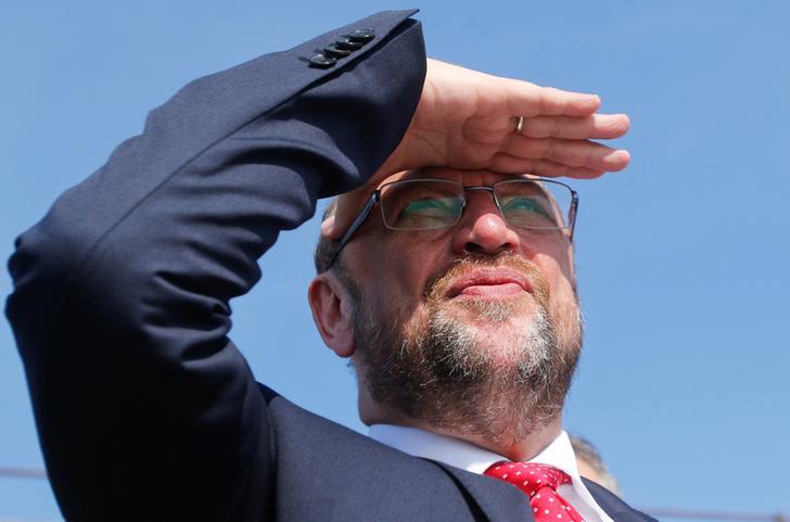 Elezioni in Germania: Merkel sfida Schulz, la destra estrema verso il Parlamento