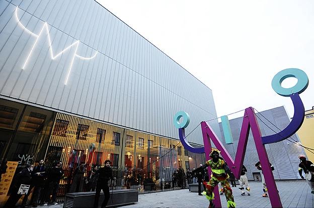 Milano, i centri sociali occupano la mostra su Klimt al Mudec