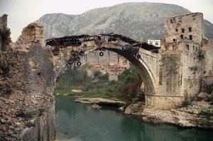 Jugoslavia Criminale Guerra Suicidio